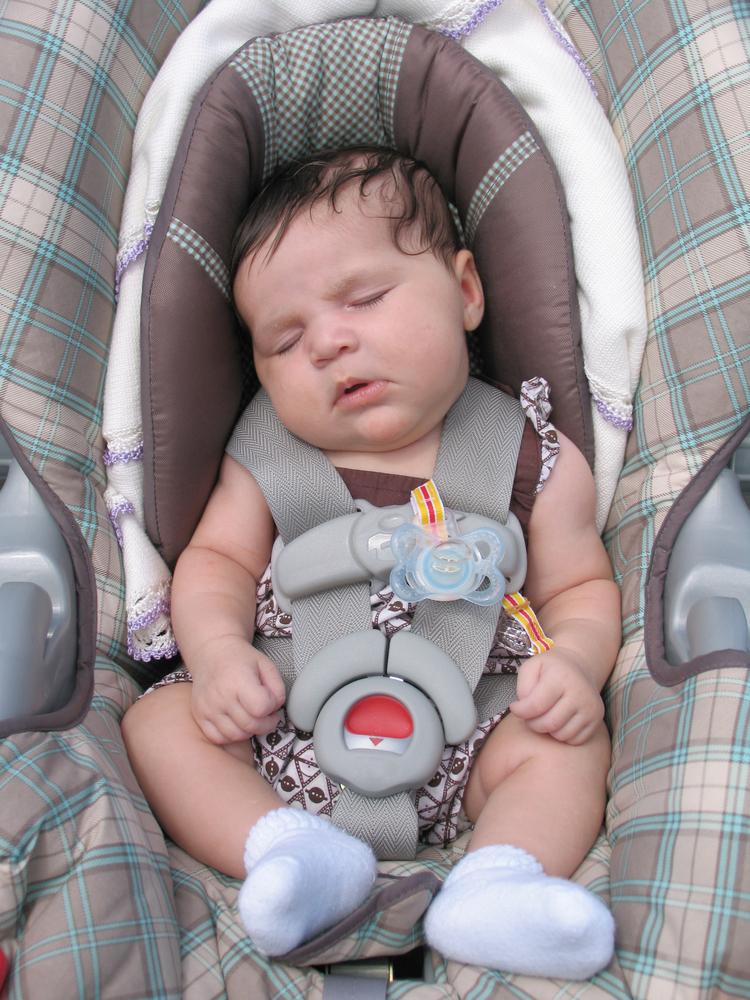 מה עושים אם תינוק בוכה בנסיעה