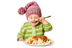 מזונות מוצקים לתינוק מתי אפשר לתת?