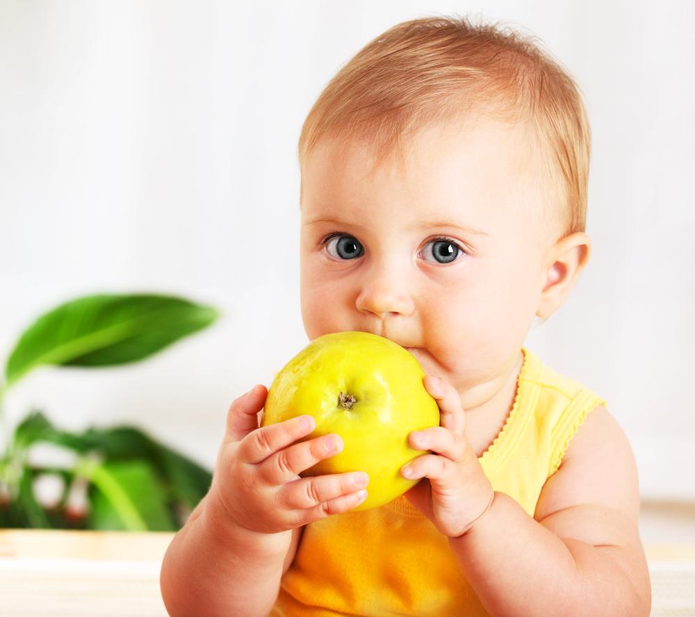 תינוק בגיל שנה