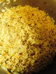אורז עם גזר ובצל מטוגן