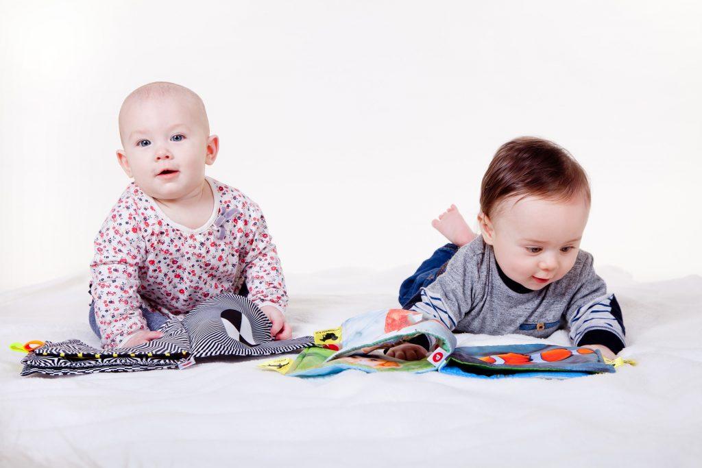 ספר שחור לבן לתינוק