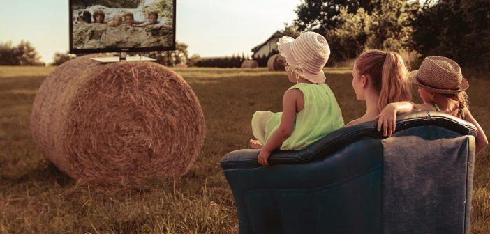 סקר: האם אתם נותנים לילדים לראות טלוויזיה בבוקר?